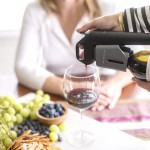 Coravin Model three sirviendo vino