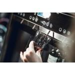 Dispensador de vino por copas para 4 botellas Wineemotion Quattro funcionamiento