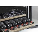 Vinoteca 18 botellas WineSafe 18 EB Black encastrable en columna bandejas